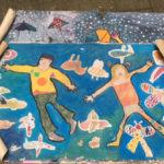 """Enfants : fresque """"Je vole"""""""